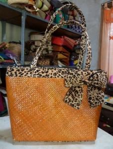 Dijual Tas Pandan Anyam Warna Orange